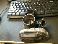 Volkswagen Polo (6N1) Hatchback 1.6i 75 (AEE) THROTTLE VALVE 1997 030133064f