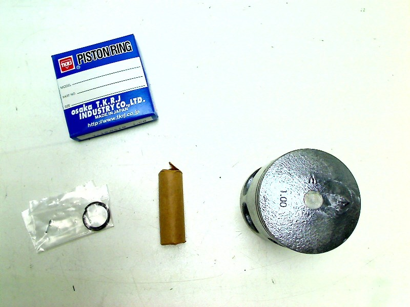 NUMBER PLATE FIXING NUT /& BOLT KIT YAMAHA RD125LC 1982-1987